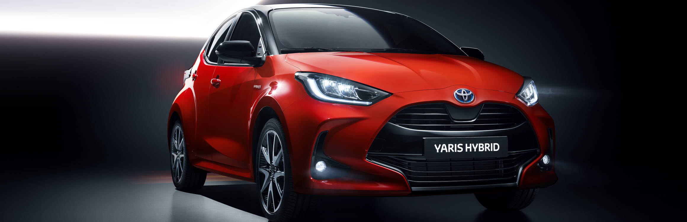 roter Toyota Yaris 3/4 Frontansicht